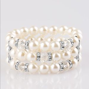 Pearl and Silver Stretchy Bracelet